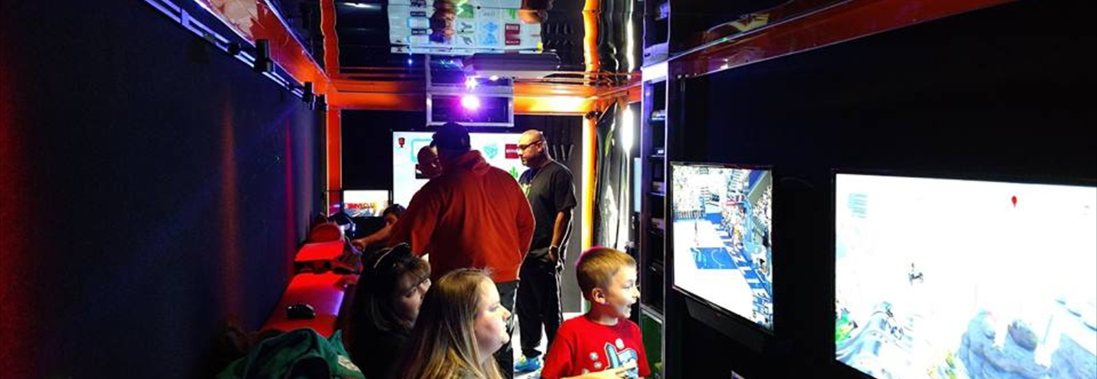 Book the very best mobile video game party!
